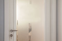 Portes blanches modernes avec Mat Glass blanc Photo libre de droits