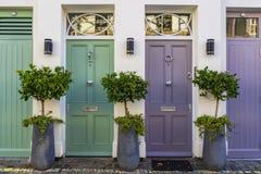 Portes colorées à Londres Images libres de droits