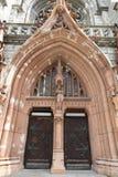 Portes d'entrée à Roman Catholic Cathedral de Saint-Nicolas à Kiev, Ukraine Photo stock