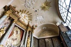 Portes d'intérieur de chapelle de Dawn Virgin Mother Photos libres de droits
