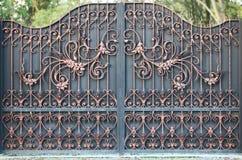 Portes dans la cour, vue de porte de la rue Photos stock