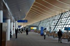 Portes de départ et concours à l'aéroport international Changhaï Chine de Pudong Photos stock