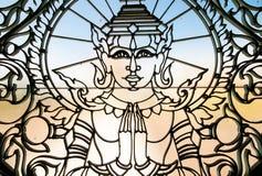 Portes de fer travaillé avec l'image d'Apsaras Royal Palace, Phnom Penh, Cambodge Images libres de droits