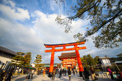 Portes de Torii dans le tombeau de Fushimi Inari, Kyoto, Japon Image libre de droits