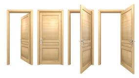 Portes en bois ouvertes et fermées d'isolement sur le blanc Photographie stock