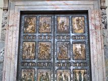 Portes en bronze, basilique de St Peters, Rome Photos libres de droits