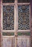 Portes et fenêtres de sculpture sur bois Photographie stock