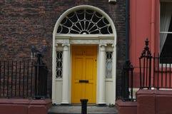 Portes géorgiennes typiques à Dublin Photos stock