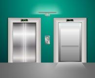 Portes modernes ouvertes et fermées d'ascenseur en métal Hall Interior dans des couleurs vert-bleu Image libre de droits