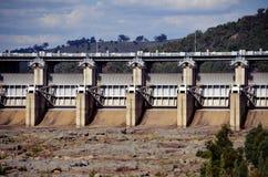 Portes radiales de déversoir de barrage de Wyangala Images libres de droits