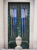 Portes vertes à une tombe Images libres de droits
