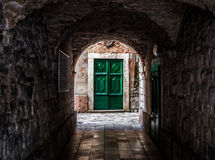 Portes vertes chez Kotor Photo stock