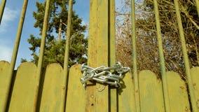 Portes vertes en métal Photo libre de droits
