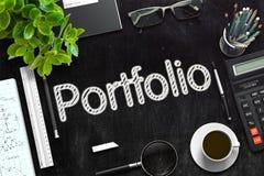Portfólio no quadro preto rendição 3d Fotos de Stock Royalty Free