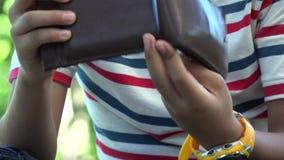 Portfel, pieniądze, gotówka, Kredytowe karty zbiory wideo