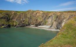 Porth Lleuog durch Whitesands-Bucht Pembrokeshire Wales Lizenzfreie Stockbilder