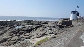 Porthcawl-Küstenlinie Südwales stockfotos