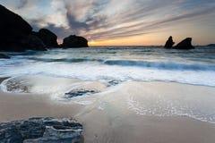 Porthcothan zatoki zmierzch zdjęcia royalty free