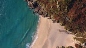 Porthcurno, Cornovaglia Sandy Beach da sopra Fotografia Stock