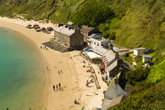 PORTHDINLLAEN – JUNE 3: Village of Porthdinllaen including Ty. Looking down on remote hamlet of Porthdinllaen which has no vehicular access. Morfa Nefyn Royalty Free Stock Photos