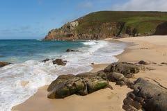 Portheras strand Cornwall på den corniska kusten som söder är västra av St Ives Royaltyfri Bild