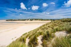 Porthkidney sandstrand Cornwall England arkivfoton