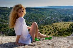 Porthret av den unga kvinnan Royaltyfri Bild