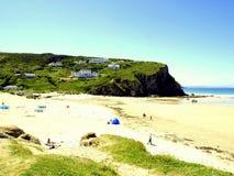 Porthtowan strand, Cornwall. Royaltyfria Foton