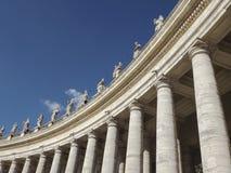 Porticade dans la place de St Peters à Rome, Italie images stock