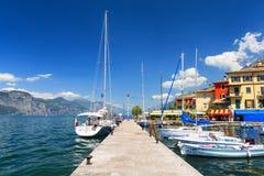 Porticciolo alla polizia del lago, Italia Immagini Stock
