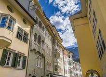 Portici Laubengasse en Bolzano Foto de archivo libre de regalías