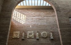 Portico del forum della città a Roman Art Museum nazionale a Merida, Spagna Fotografia Stock Libera da Diritti