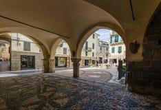 Portico storico di Noli immagine stock