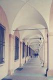 Portiek in Bologna Italië stock afbeeldingen