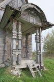 Portiek oude houten kerk Stock Fotografie