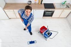 Portier Cleaning Floor Stock Fotografie