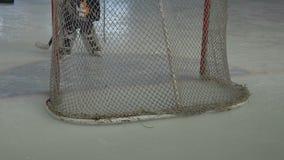Portiere dell'hockey su ghiaccio video d archivio