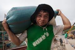 Portiers laotiens sur le Mekong Images stock