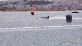 PORTIMAO, PORTUGAL: 20 de mayo de 2018 - Grand Prix portugués - acontecimiento que compite con del Powerboat F1 de la edición 201 almacen de metraje de vídeo