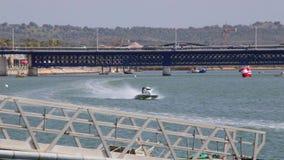 PORTIMAO, PORTUGAL: 20 de mayo de 2018 - Grand Prix portugués - acontecimiento que compite con del Powerboat F1 de la edición 201 metrajes