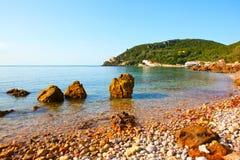 Portinho da Arrabida -靠岸在Parque自然da Arrabida, 免版税图库摄影