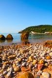Portinho da Arrabida -靠岸在Parque自然da Arrabida, 库存图片