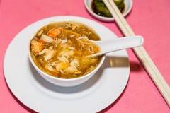 Portion av läckerhet för kött för hajfenakrabba som är populär bland kines royaltyfri foto
