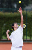 Portion d'homme au tennis Photo libre de droits