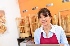 Portion de Madame dans la boulangerie photos libres de droits