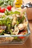 Portion de salade de pâtes photographie stock libre de droits