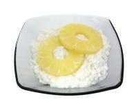 Portion du fromage blanc et de l'ananas photos libres de droits
