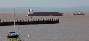 Portishead-Jachthafen, der über dem Bristol-Kanal im Mai 2017 schaut stockbilder