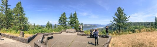 PORTLAND, OR - AUGUST 19, 2017: Tourists enjoy panoramic view of stock images