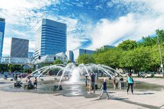 PORTLAND, OR - AUGUST 18, 2017: Tourists visit city center. Port royalty free stock photos